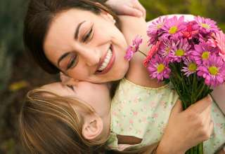 مادران مسن تر در والدگری بهتر عمل می کنند