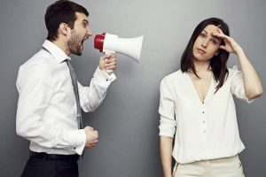 برخورد با انتقاد غیرواقعی
