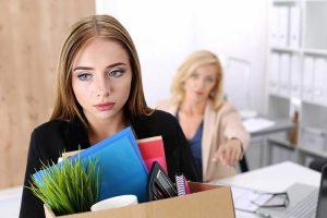 چگونه یک کارمند را برکنار کنیم؟