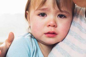 مشکل گریه شبانه کودکان