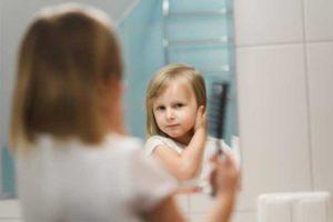 آموزش خودآگاهی به کودکان