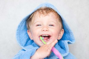 آموزش مراقبت از دندان ها به کودکان