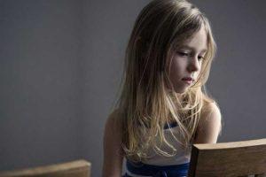 اصلاح افکار منفی و افسردگی در کودکان