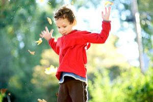 رهایی از رفتارهای منفی کودک با نادیده گرفتن