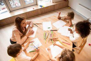 مزایا و کاربرد های مشاوره گروهی در مدرسه