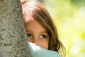 مشکل خجالت و کمرویی در کودکان