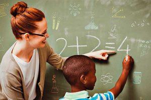 ویژگی های یک معلم خوب در دبستان