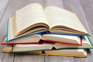 بیشترین استفاده از کتاب خواندن
