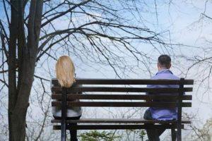 تاثیر دلبستگی اجتنابی بر ارتباط با دیگران