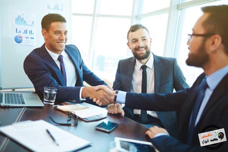برقراری ارتباط چشمی در مذاکره