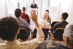 کنترل پرسش و پاسخ در سخنرانی