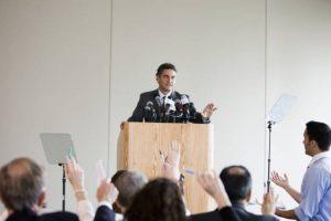 مدیریت کنفرانس مطبوعاتی